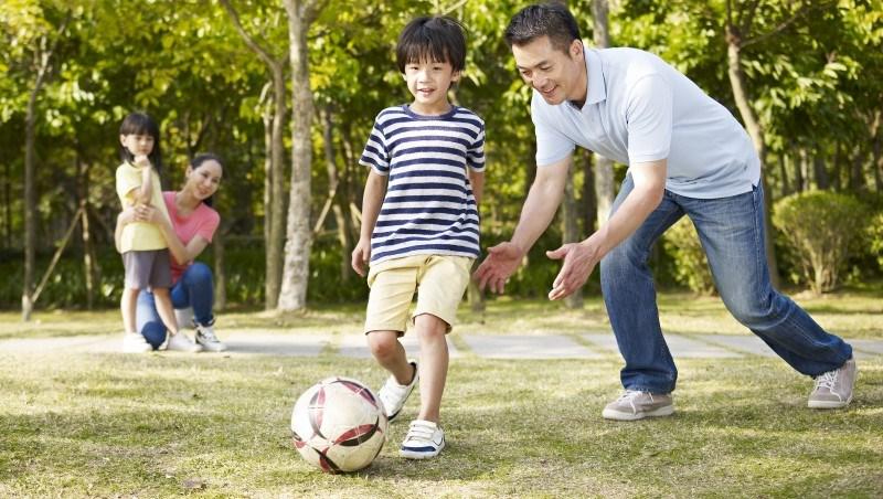 讓蓋茲覺得此刻比年輕時幸福的,不是財富,而是「家庭價值、運動、社會回饋」